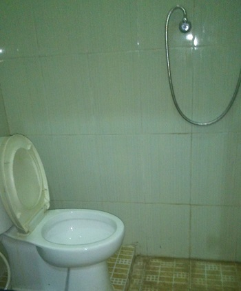 comfort camp - shower kloset modern